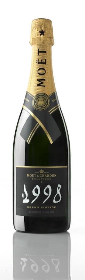 Шампанское Moet & Chandon Brut Vintage Rose 1999 0.75л