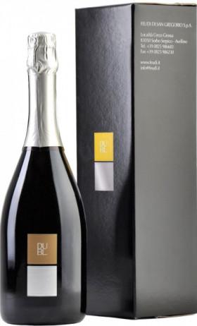 """Игристое вино Feudi di San Gregorio, """"Dubl"""" Greco, gift box"""