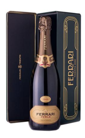 Игристое вино Ferrari Perle Brut 2009, Trento DOC, gift box