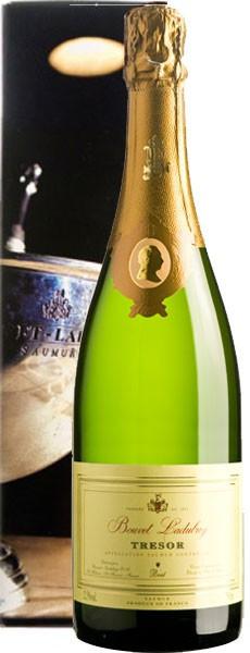 """Игристое вино Bouvet Ladubay, """"Tresor"""" Brut, Saumur AOC, 2009, gift box"""