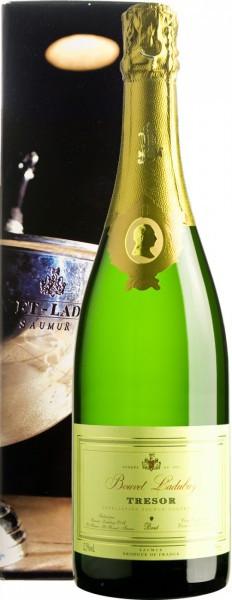 """Игристое вино Bouvet Ladubay, """"Tresor"""" Brut, Saumur AOC, 2014, gift box"""