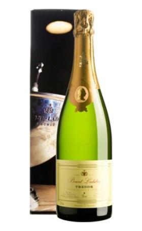 Игристое вино Bouvet-Ladubay Tresor Saumur Brut 2009 gift box 0.75л