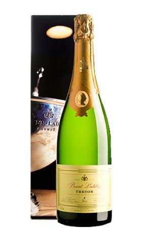 Игристое вино Bouvet-Ladubay Tresor Saumur Brut 2010 gift box 0.75л