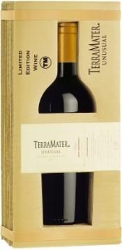 Вино TerraMater, Unusual Mighty Zinfandel, 2010, gift box