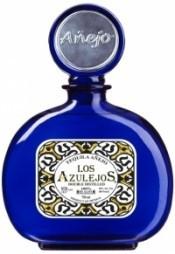 Текила Los Azulejos Anejo, 0.75 л