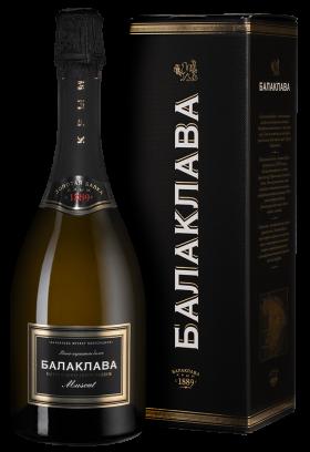 "Игристое вино ""Balaklava"" Brut Reserve, gift box"