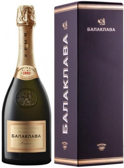 "Игристое вино ""Balaklava"" Muscat Semy-Sweet, gift box"