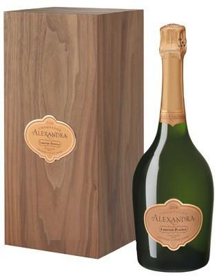 "Шампанское ""Alexandra"" Grand Cuvee Rose, 2004, gift box"