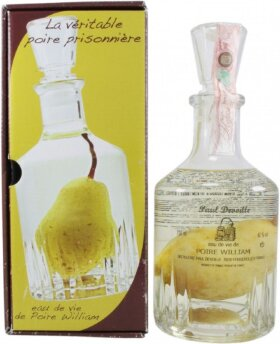 Бренди Paul Devoille, Poire William, in decanter with a pear, 0.7 л